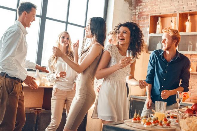 なぜアメリカはホームパーティー大国なのか?お祝い文化の日米比較 ...